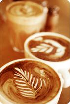 Auf kaffee und kuchen bei uns vorbei unsere kellner zaubern ihnen